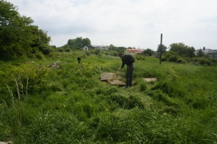 Photogrammetry survey at rohatyn's old Jewish cemetery (Photo credit: Jay Osborn)